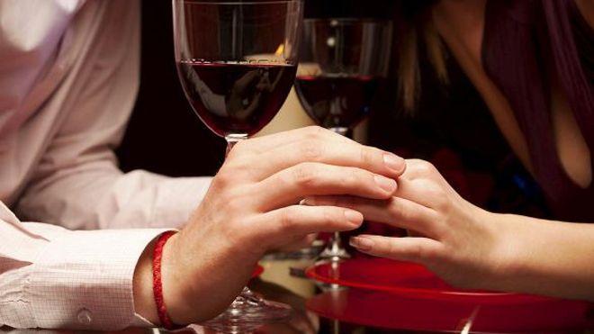 romanticrestaurantistock